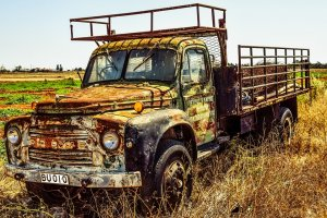 Épave camion ancien